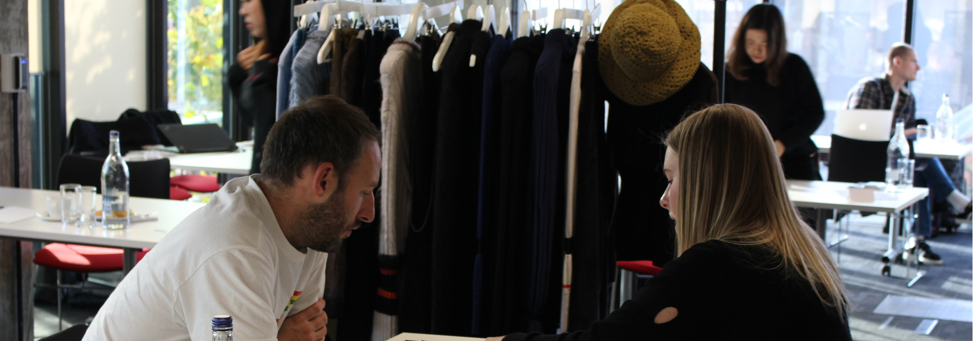 how do you become a fashion buyer